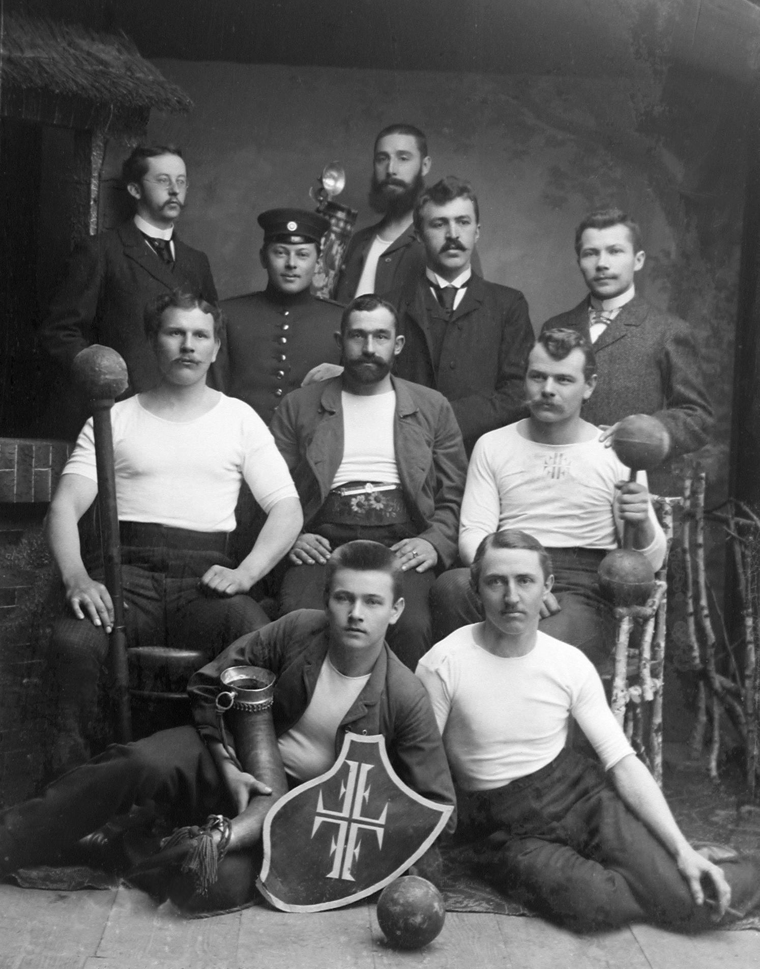 Abensberger Turnergruppe, um 1910