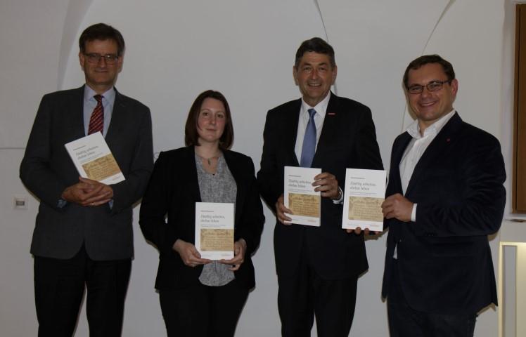 Verleger Friedrich Pustet, Autorin Melanie Burgemeister, Handwerkskammerpräsident Dr. Georg Haber, Museumsleiter Dr. Tobias Hammerl (v.l.n.r.)