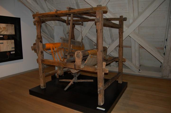 Kleidung im Mittelalter – von der Spindel zum handgemachten Kleid