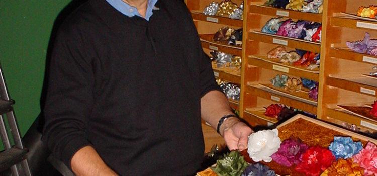 Peter Wittenbeck im Blumenlager