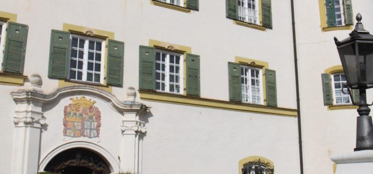 Wie´s früher war...on Tour vor dem Schloss Offenstetten