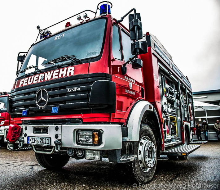 Einsatzwagen auf dem Geländer der  FFW Abensberg (Foto: Marco Holzhäuser)
