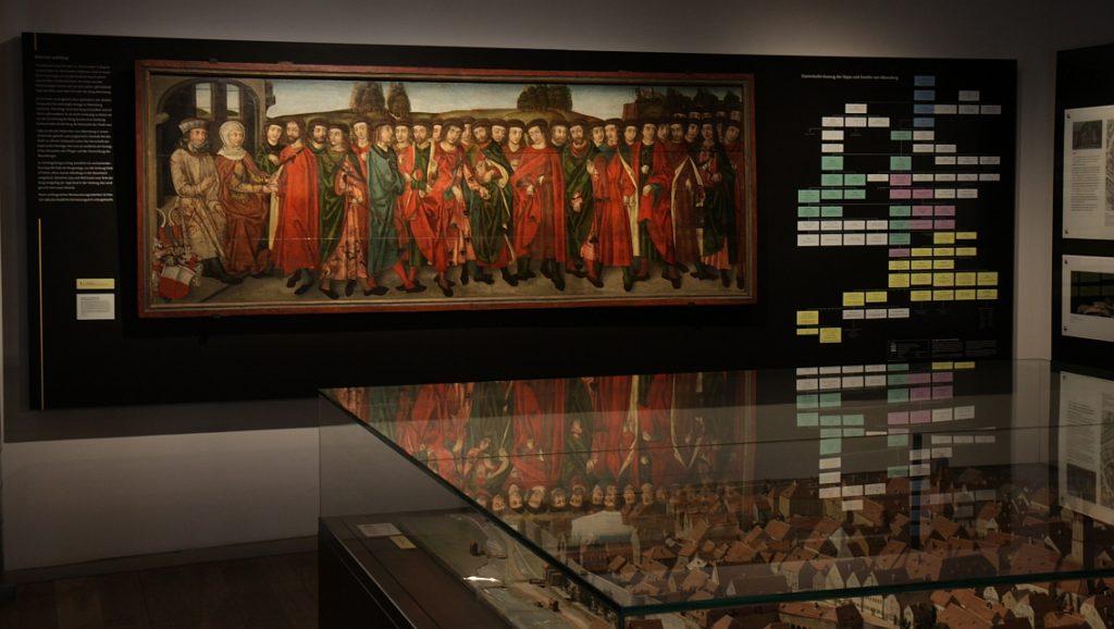 Das Babonen-Gemälde in der Dauerausstellung des Stadtmuseums Abensberg (Foto: Tobias Hammerl, Stadtmuseum Abensberg)